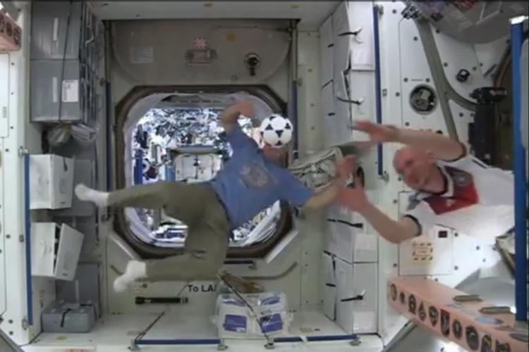 بازی فوتبال در ایستگاه فضایی بینالمللی