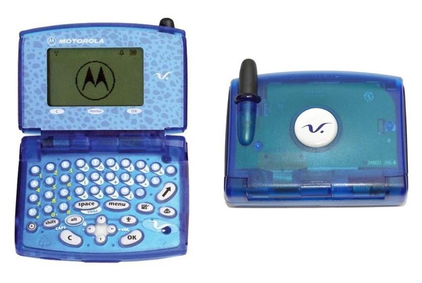 Motorola-V100