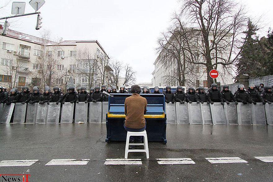 لحظات از صلح در-تظاهرات-1