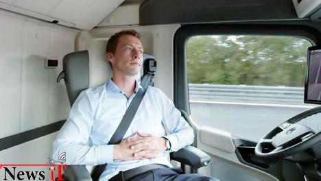 Mercedes-Benz-Future-Truck-2025 dezeen 468 3