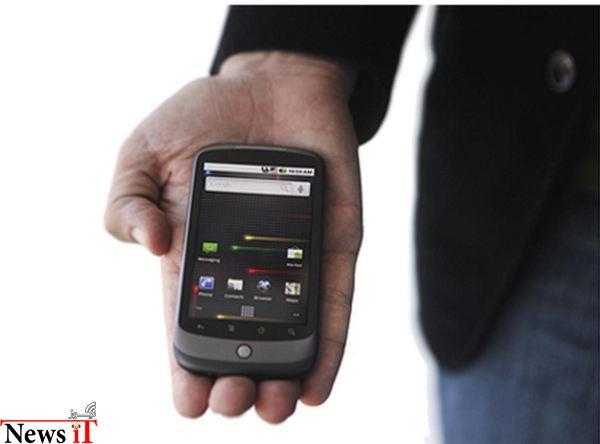 زمانی که گوگل تصمیم گرفت خودش مستقیماً وارد کسب و کار فروش تلفن های هوشمند شود تولید اولین محصولش در این زمینه را به یار دیرینه اش یعنی HTC سپرد و نتیجه ی آن نیز Nexus One بود موبایلی که توجه بسیاری را به خودش جلب کرد.