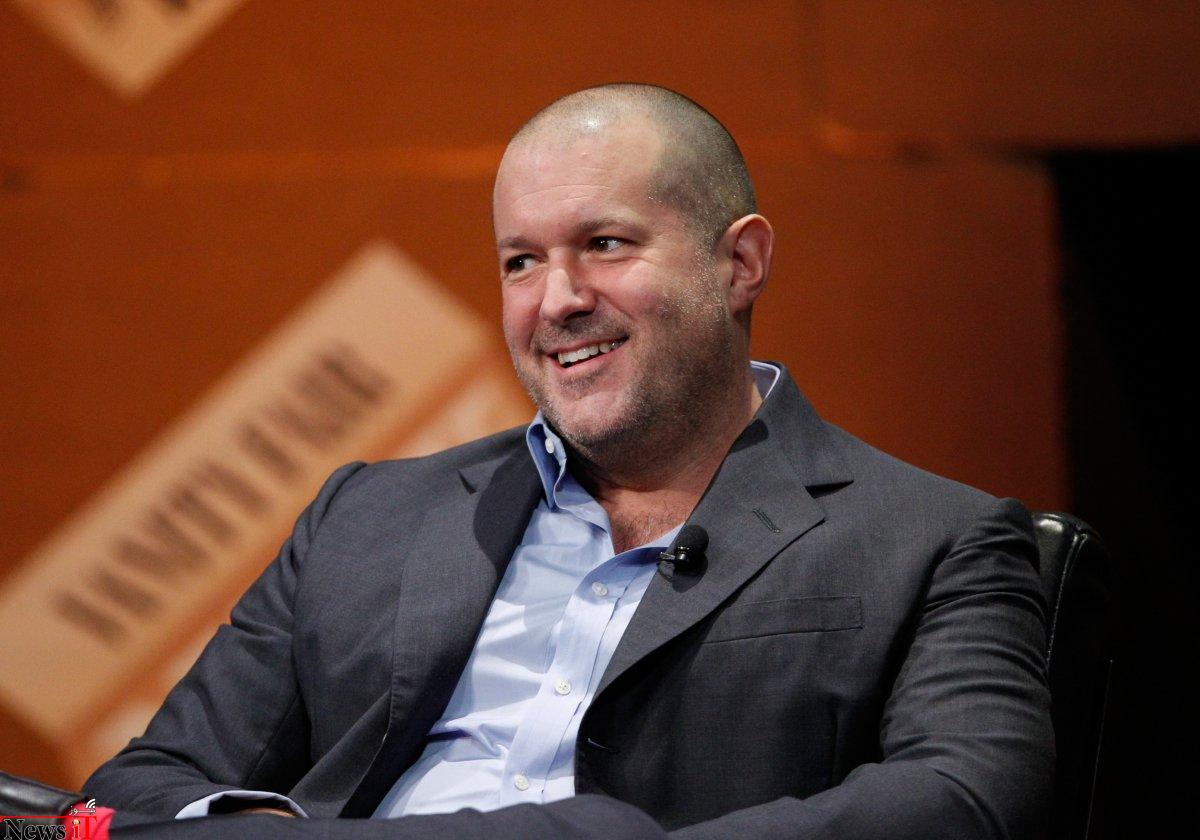jony-ive-designs-all-of-apples-hit-products
