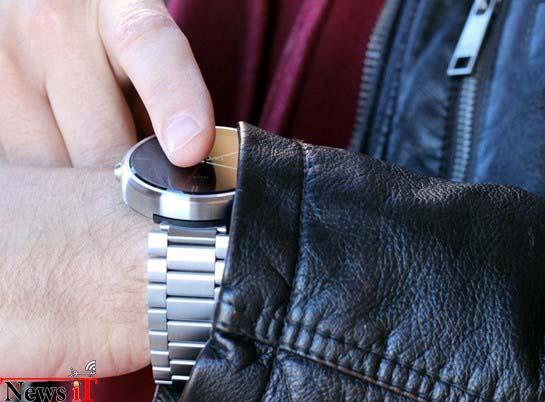 apple-watch-vs-moto-360-hands-on-8